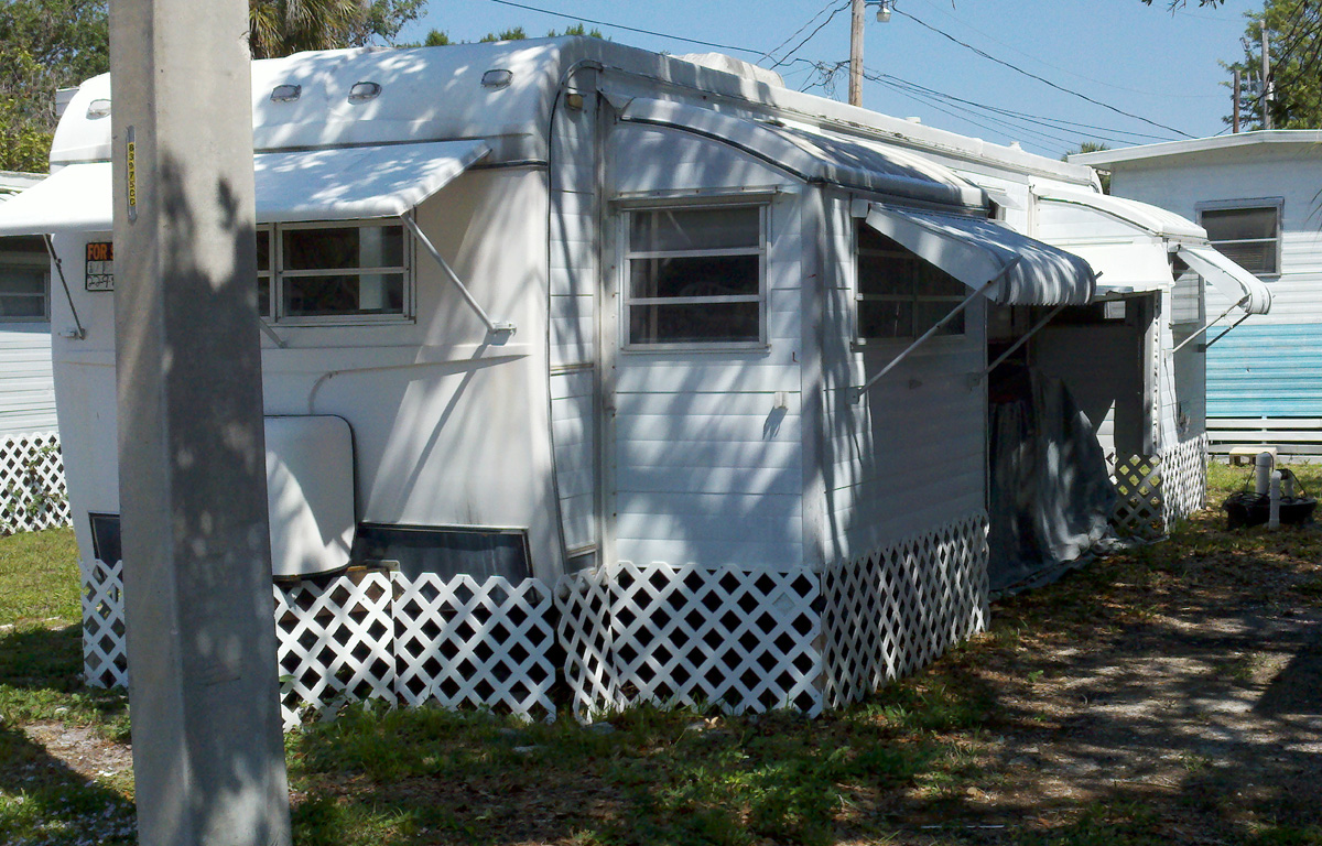 LOT 58 1 Bedroom Awnings Remodeled 2495 500 Down 95 Mo Payment Plus 295 Lot Rent